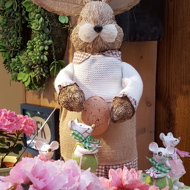 Easter Bunny at Valley Forge Flowers4